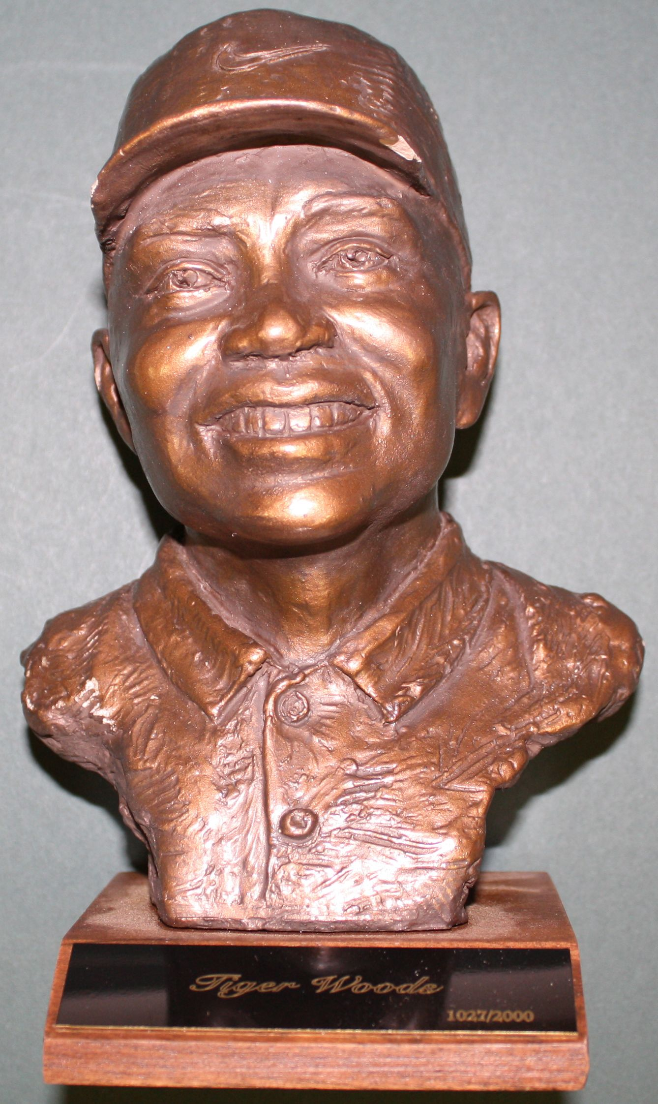Tiger Woods Bronze Statue by Brad Lorang 2003 #1027/2000 - 2178a_lg