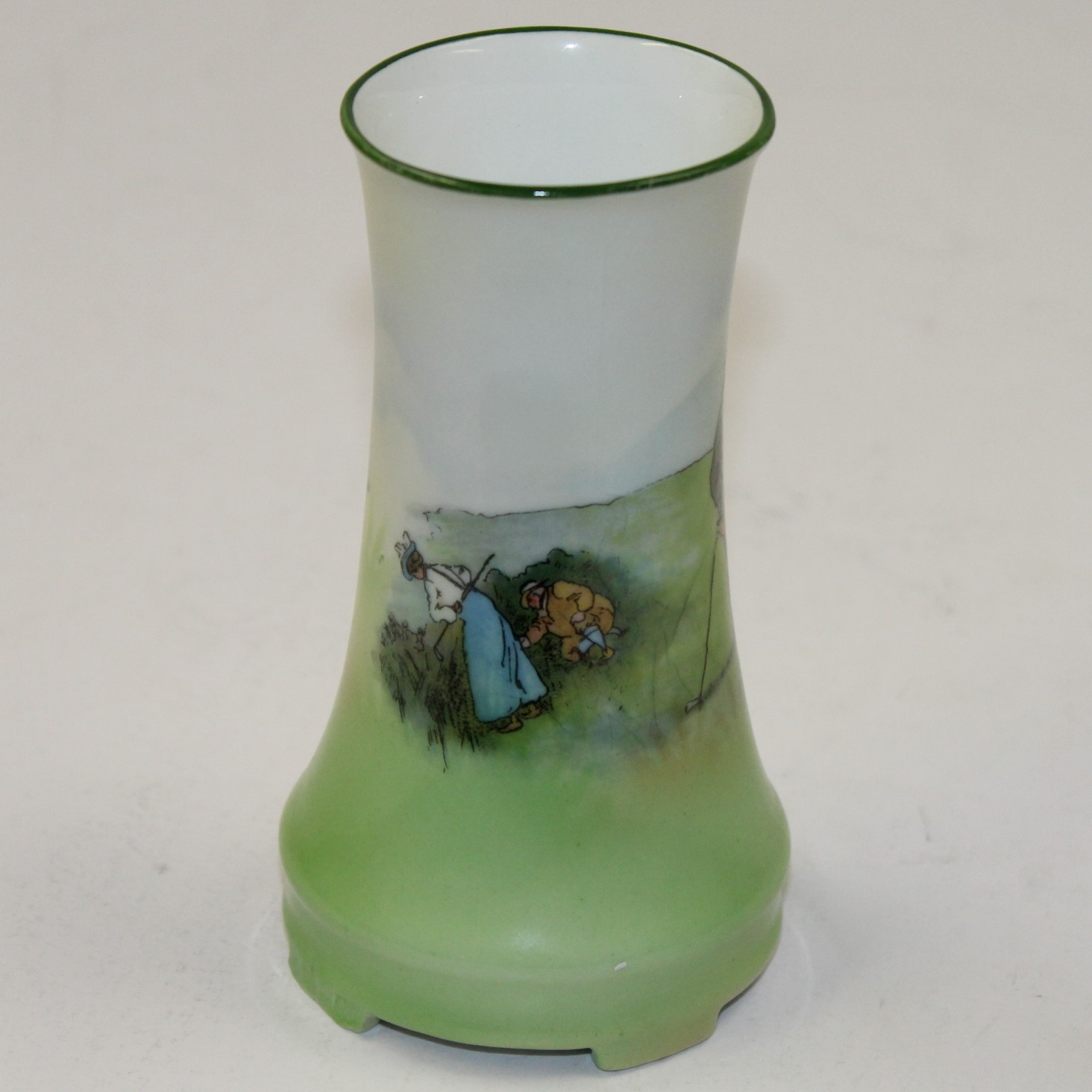 lot detail - small golf themed vase