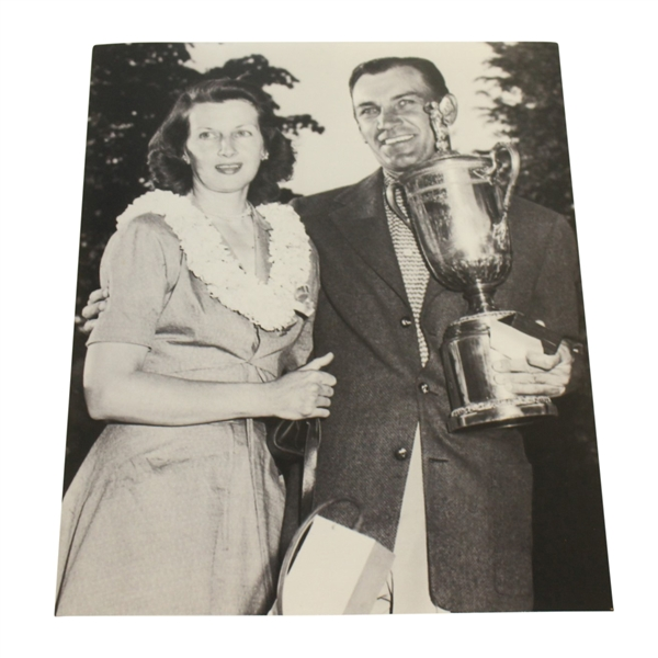 USGA Stamped Photo Of Ben And Valarie Hogan At The 1950 US Open  - Merion Golf Club