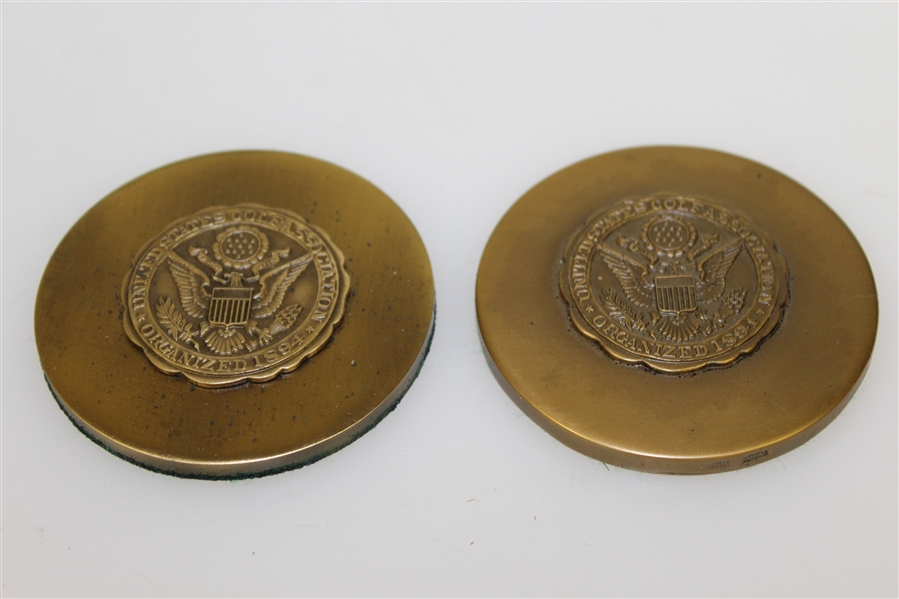 USGA Lot - Assorted Badges & Paper Weights Bearing The USGA Seal