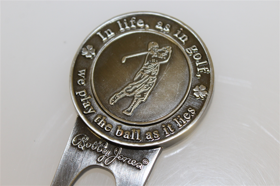 Bobby Jones 'Play the ball as it lies' Commemorative Divot Tool with Magnetic Ballmarker