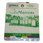 2019 Masters Tournament Series Badge #Q05913 - Tiger Woods Historic 5th Masters Win!