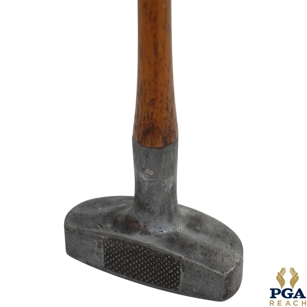 Turk Righter Center Wood Shaft Aluminum Head Putter with Pendulum Grip - Patent May 25, 1915