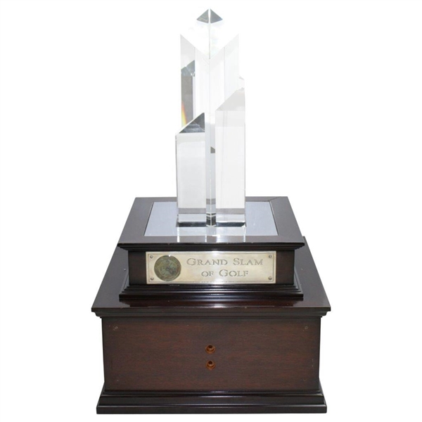 PGA Grand Slam Of Golf Champion Of Champions Crystal Touring Trophy - Tiger 7-Time Winner
