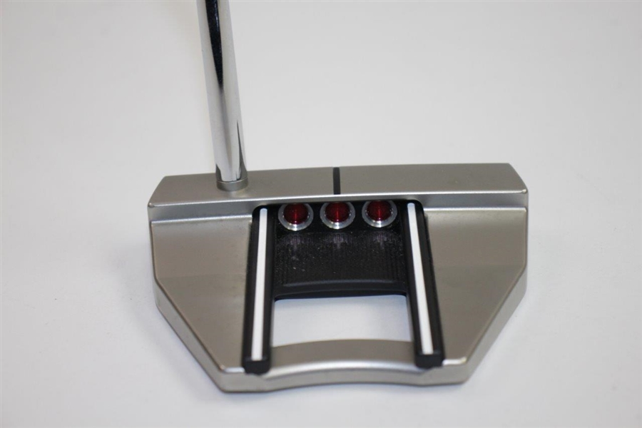 Scotty Cameron Futura X7M Titleist CircleT Putter with Headcover